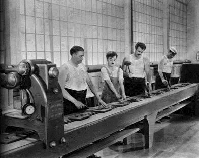 imagem de uma linha de produção antiga