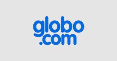 Logo Globo.com azul em um fundo cinza